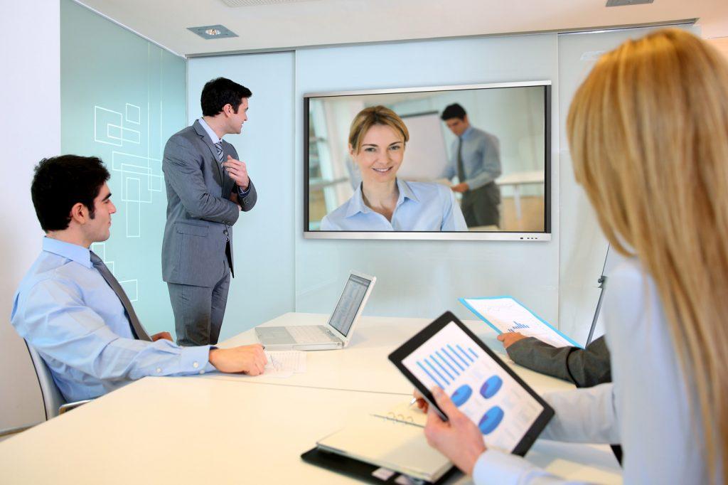 Écrans tactiles interactifs CSUBTIL : fonction vidéoconférence